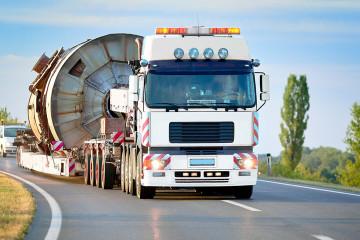Schwer- und Sondertransporte